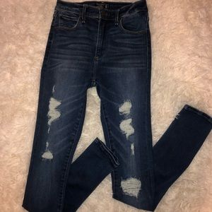 Abercrombie&Fitch High-Waisted jeans!